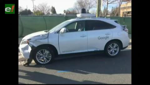 El coche autónomo de Google, embestido por un conductor borracho