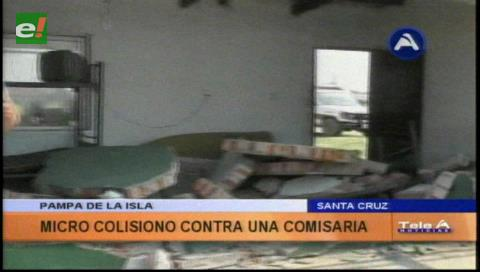Micro tumba muro de la Policía en la Pampa de La Isla