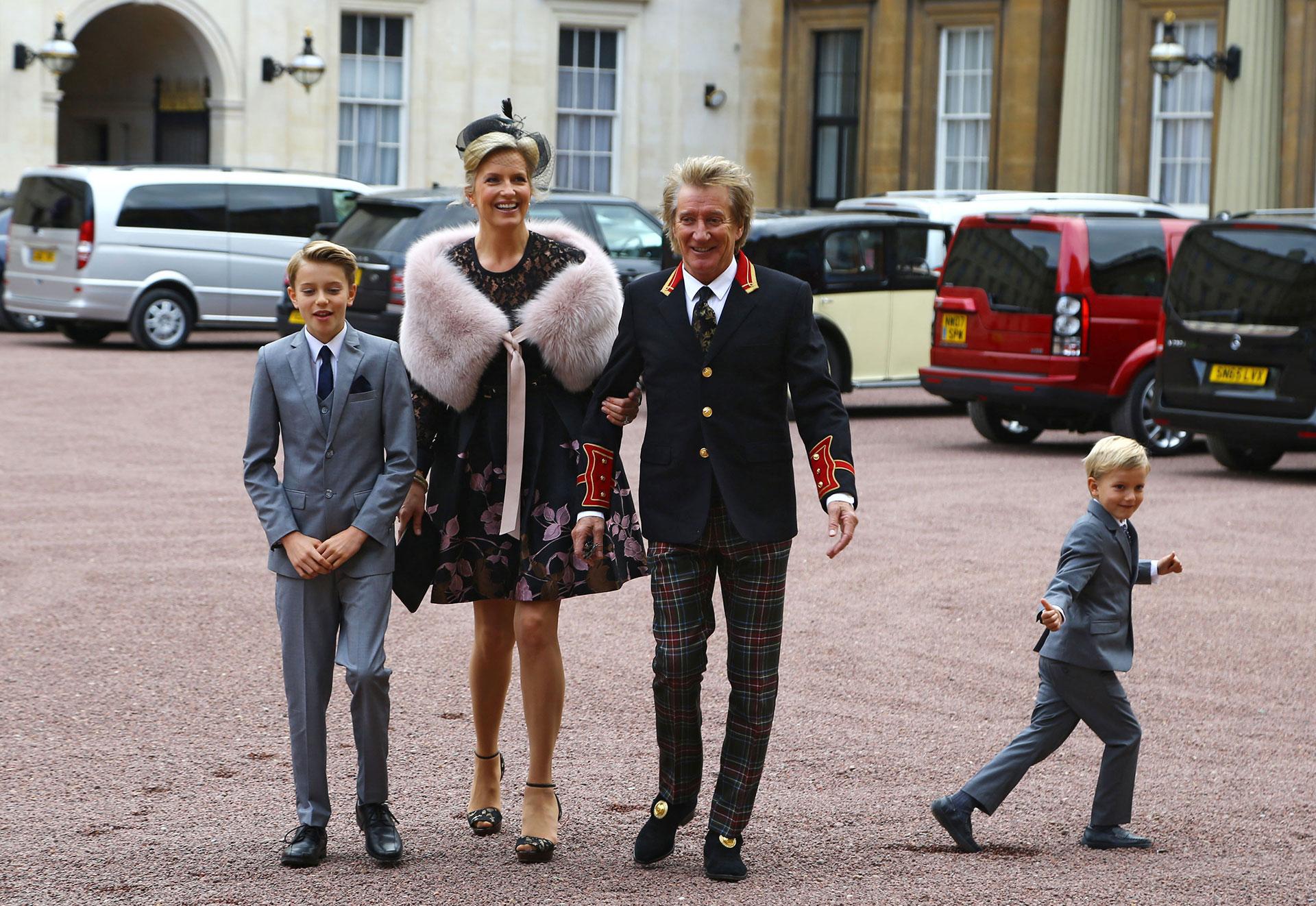 """Cuando se anunció que iba a recibir ese título, Stewart agradeció a la reina Isabel II y dijo que era """"un gran honor """""""