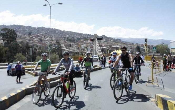 Mi Teleférico y las alcaldías de La Paz y El Alto impulsarán el uso de bicicletas