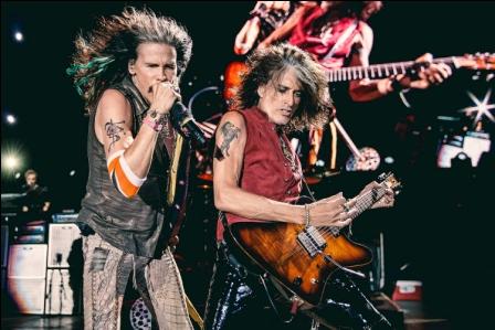 Anuncian que Aerosmith cancela concierto en Santa Cruz tras colapsar el escenario