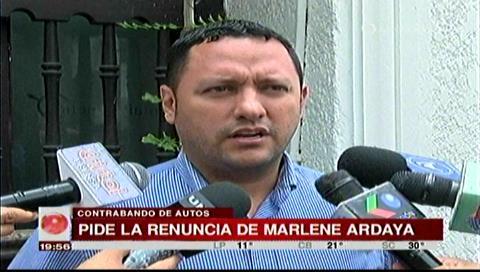 "Responsabilizan a Marlene Ardaya por el ingreso de autos ""chutos"""