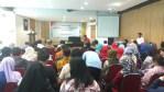 Suasana diskusi di UNiversitas Bosowa,Senin (16/4)