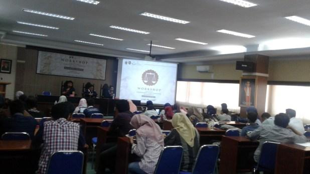 Kegiatan Workshop National Moot Court Competition (NMCC) Bulaksumur IV di Lab. Moot Court Harifin Tumpa Fakultas Hukum (FH) Unhas pada Rabu (11/4). Nhr