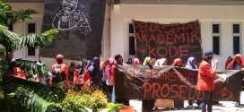 Aspirasi Tidak Didengar Dekanat, Mahasiswa FIKP Kembali Adakan Aksi Cabut SK Skorsing