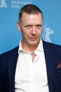 Mikael Persbrandt4