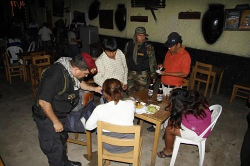 Rondón Fudinaga  plantea ampliar entre bares y centros educativos a 500 mts.