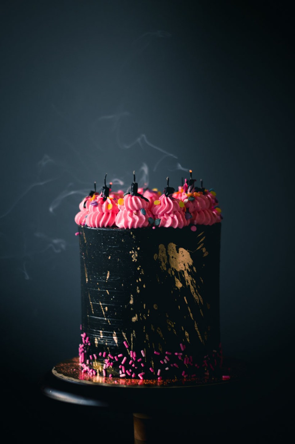 dark_rainbow_cake-2560