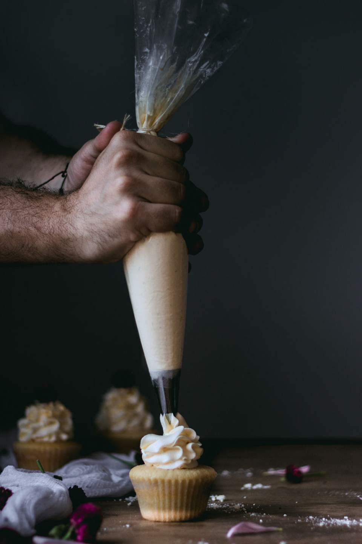 vanilla_bean_cupcakes-3005