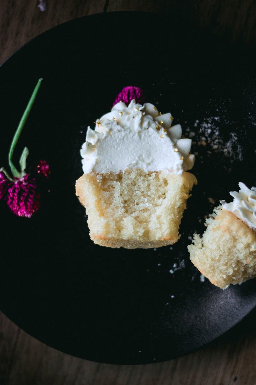 vanilla_bean_cupcakes-3121