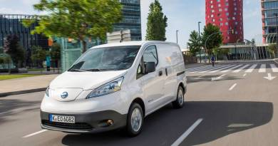 El comercio electrónico impulsa la última milla con furgoneta eléctrica- La Nissan eNV200 lidera el mercado de las furgonetas eléctricas en España. Nissan e-NV200, la furgoneta eléctrica más vendida en Europa. Nissan extiende a cinco años la garantía de la e-NV200