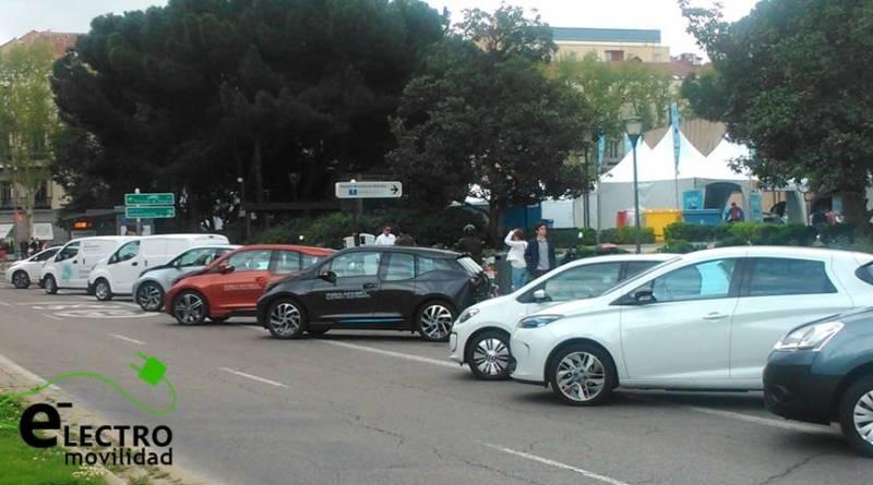 2 de cada 3 españoles comprarían un eléctrico por menos de 15 mil euros. 748 vehículos eléctricos vendidos durante Agosto. Las ventas de vehículos eléctricos siguen en caída libre