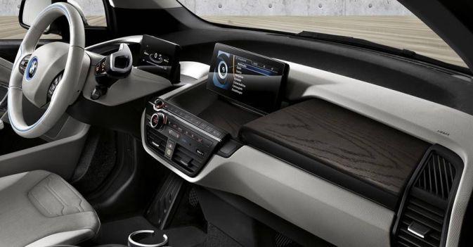 BMW i3, mayores prestaciones y carga trifásica de 11 kW. Nuevo BMW i3