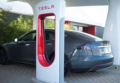 Tesla quiere Superchargers dentro de las ciudades