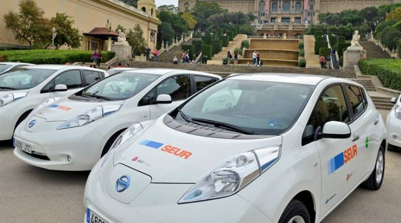 SEUR presenta su nueva flota de reparto en Barcelona. Nissan LEAF Barcelona