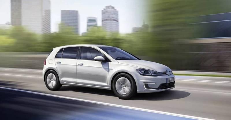 Prueba el nuevo Volkswagen e-Golf en Madrid. Volkswagen presenta el nuevo e-Golf 2017