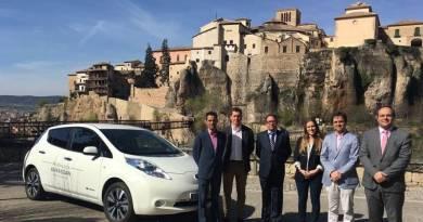Nissan entrega al Ayuntamiento de Cuenca un Nissan LEAF