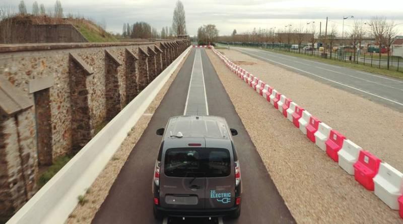 Renault trabaja en un sistema de carga en movimiento