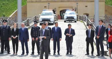 Mitsubishi entrega 635 Outlander PHEV a la policía ucraniana