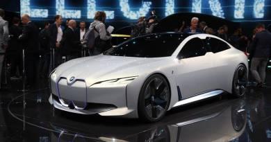BMW i5. El rival de Tesla llegará en 2021