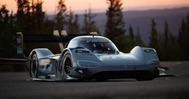 Volkswagen I.D. R vuela en la clasificatoria de Pikes Peak con Dumas al volante