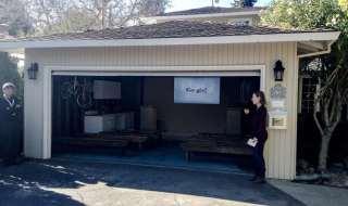 Hace 16 años Google fue creado en este garage. Google es actualmente dueño de la casa.