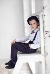 Фото ребенка в студии