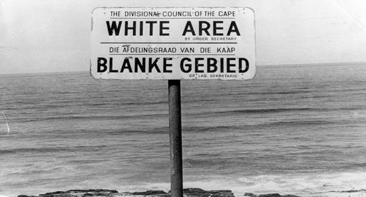 Élet Dél-Afrikában - apartheid: kizárólag fehéreknek fenntartott tengerpart