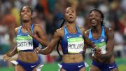 """Las tres corredoras pusieron énfasis en """"la hermandad"""" llegando casi juntas a la meta."""