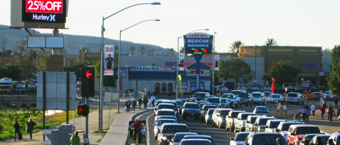 Las Americas San Diego / Mexico Border Digital Billboard