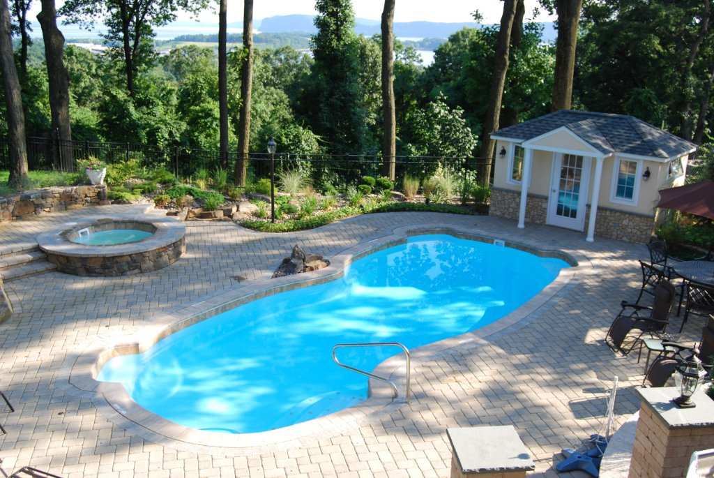 10 great reasons why you should choose a viking fiberglass for Viking pools