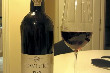 Taylors 1975 vintage Port - good but on it&#039;s way out