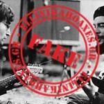 Καταρρίπτεται-Ο Τζον Λένον παίζει κιθάρα με τον Τσε Γκεβάρα