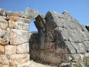 πυραμίδα-Ελληνικού-3-400x300
