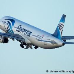 سفينة ثانية تنضم للبحث عن حطام الطائرة المصرية المنكوبة