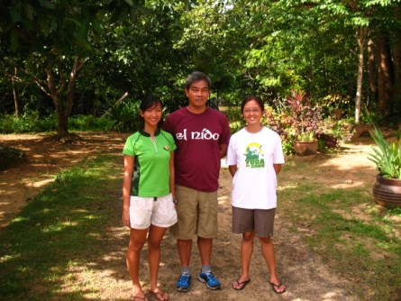 Dr. Diesmos with EO Kring (left) and EO Macy (right)