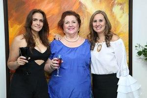 Vanessa Trespalacios, Sarita de Ovalle y Edna María Vigna.