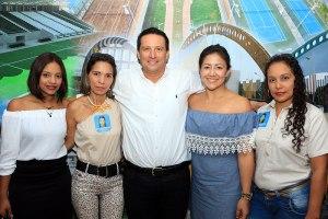 Luz Ángela Moreno, Mara Nieto, Henry Coronel, Sandra Nieto y Arleys Cuellar.