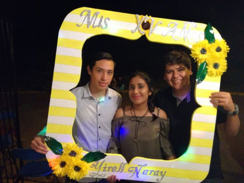Yirell Naray con Rodrigo López y