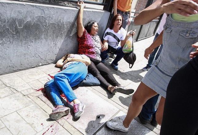 Tres muertos y seis heridos durante el plebiscito en Venezuela