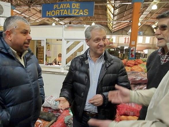 Artime en Mercado de frutas y verduras