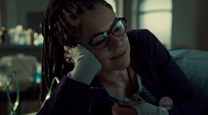 Orphan Black 2x09: Cosima se recupera de su ataque convulsivo pero cada vez está más débil por su enfermedad.