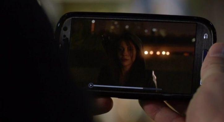 Arrow 3x09: Thea resulta ser la asesina de Sara bajo los efectos de una potente droga de sugestión que Merlyn le dio.