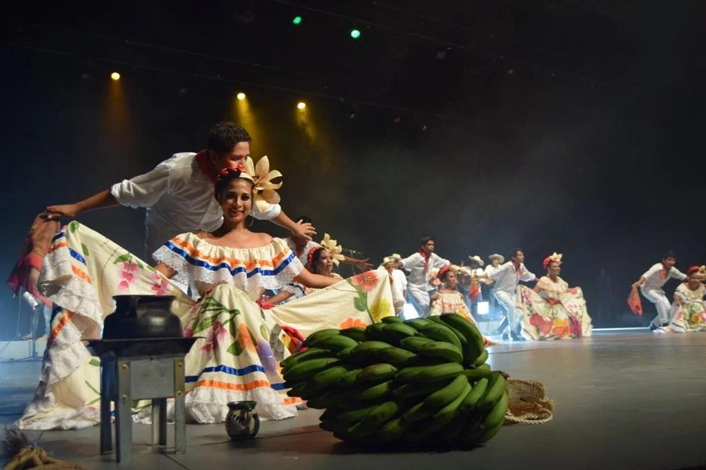 La música y la danza se fundieron dando cátedra de un espectáculo de primer calidad.