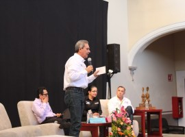 Pepe Guerrero presentó su proyecto político ante universitarios