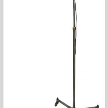 028 Lámpara industrial de pie