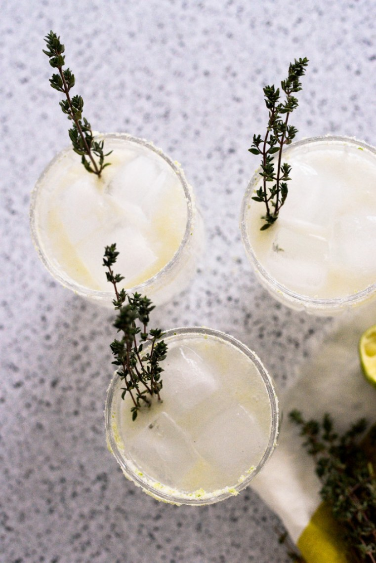 refreshing gin cocktail with thyme and lime