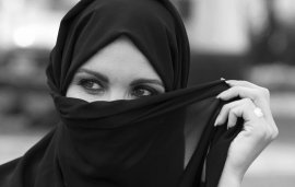 """Celebrating Emirati Women's Day: """"What The National Dress Means To Me"""""""