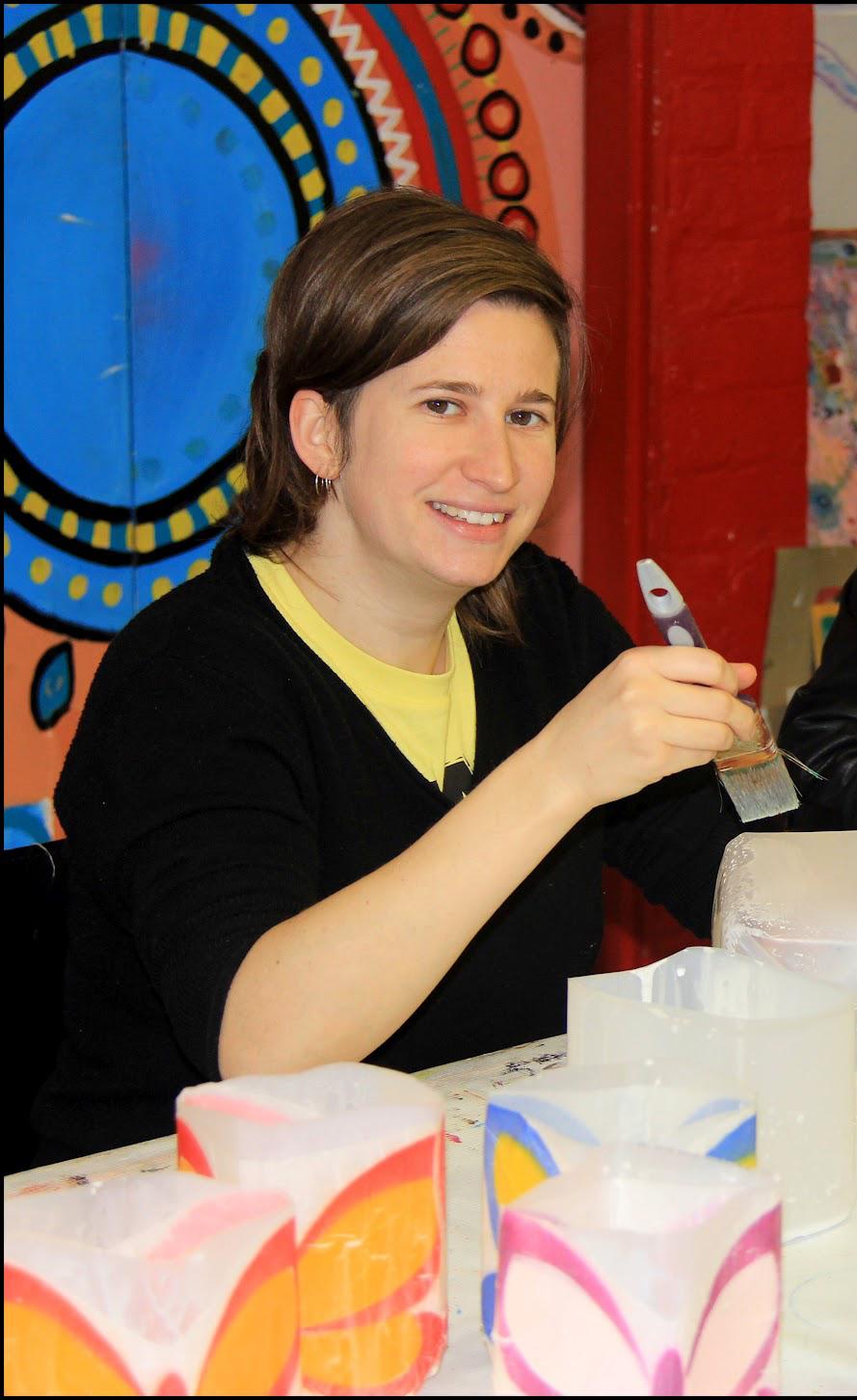 Emma Johnson painting lanterns