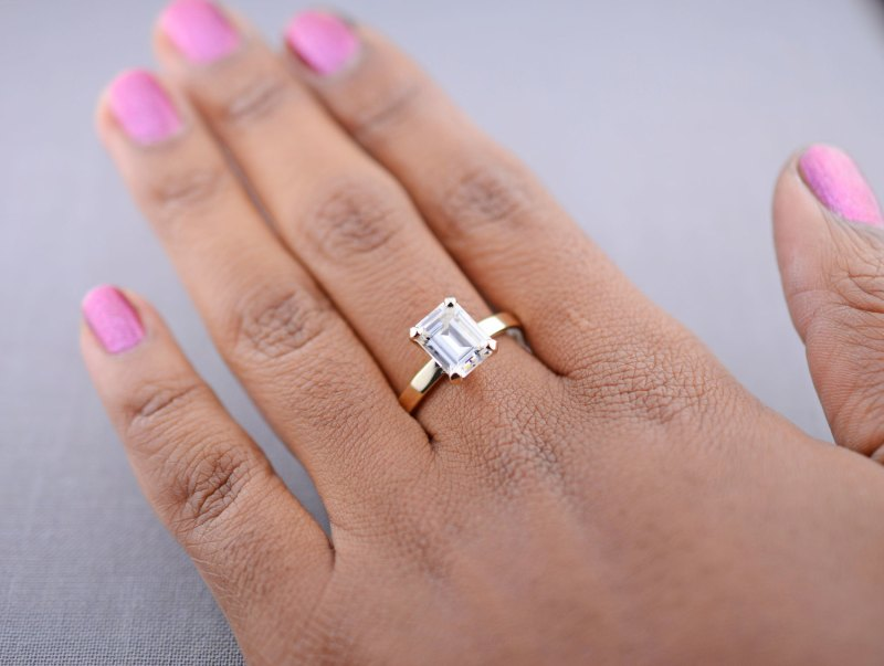 14k-gold-classic-25-carat-emerald-moissanite-engagement-ring 2